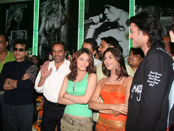 Photo Of Hemant Birje,Jetendra,Dharmendra,Sneha Ullal,Shravan Rathod From The Mahurat Of Kaash Mere Hote
