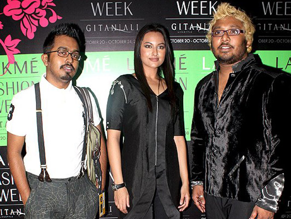 Celebs At The Collection By Dev And Zubir At LIFW 2008