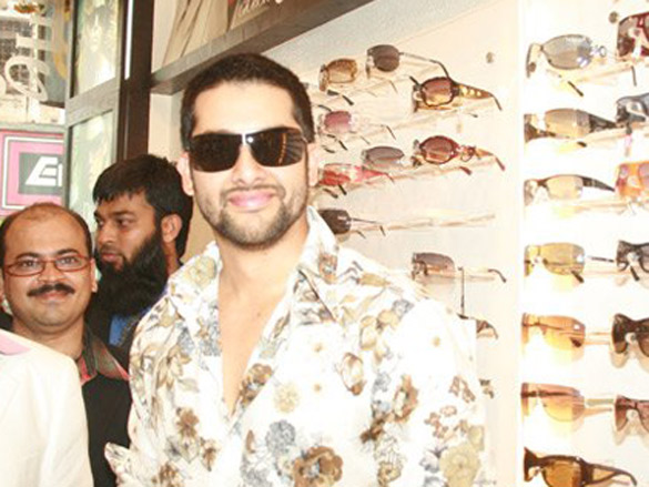 Aftab Inaugrates His Friend Mukesh Gandhi's Optical Store