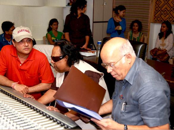 On The Sets Of Jaana Pehchana