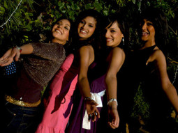 Movie Still From The Film Aamras,Vega Tamotia,Ntasha Bhardwaj,Maanvi Gagroo,Anchal Sabharwal