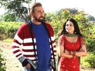 Movie Still From The Film Miley Naa Miley Hum,Kabir Bedi,Neeru Singh