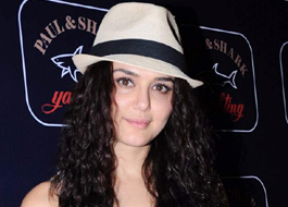 Preity Zinta accuses Har Pall producer of non-payment of loan