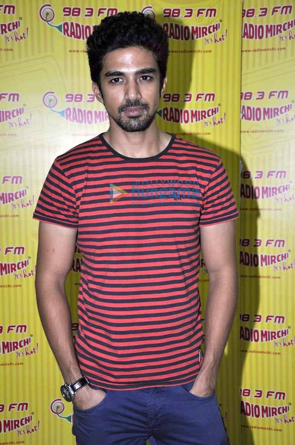 Promotion of 'Mere Dad Ki Maruti' at Radio Mirchi 98.3 FM studio