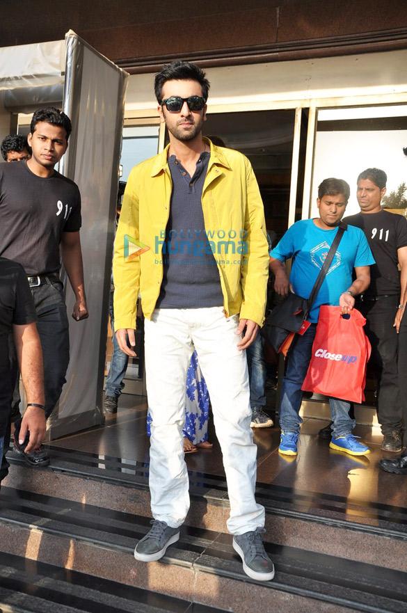 Ranbir & Deepika at 'Yeh Jawaani Hai Deewani' – Closeup ...