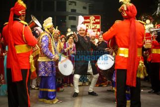 Himani Shivpuri, Raj Babbar, Tinu Anand, Sushmita Mukherjee