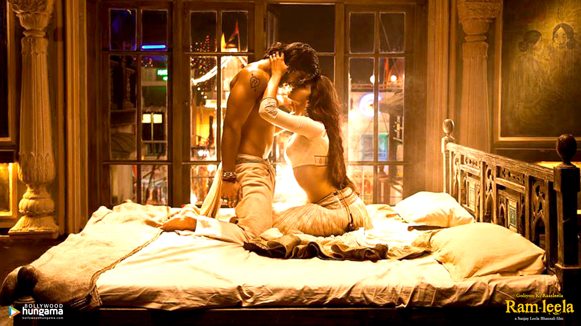 Rain hot bed scene wallpaper nackt image