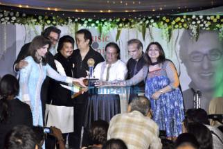 Bina Aziz, Talat Aziz, Pankaj Udhas, Bhupinder Singh, Anup Jalota, Suresh Wadkar