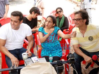 Salman Khan,Radhika Rao,Vinay Sapru