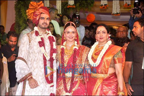 Esha Deol and Bharat Takhtani tie the knot