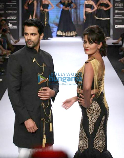 Check Out: B-Town showstoppers at IIJW-Day 2