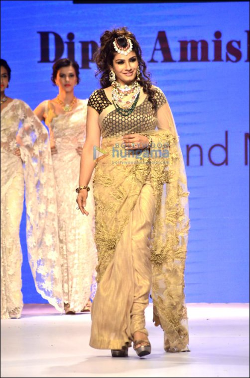 Check Out: B-Town showstoppers at IIJW Part 3