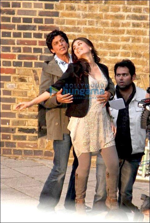 Check Out: SRK and Kareena on sets of Ra.One