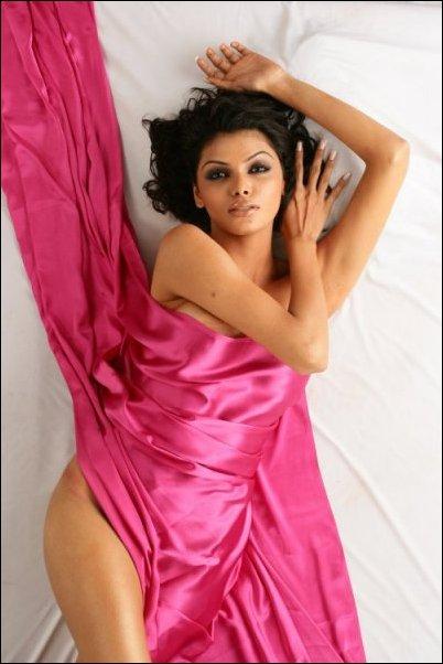 Photo Gallery: Sherlyn Chopra