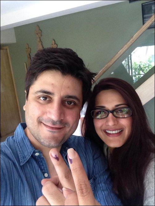 Check out: Bollywood brigade at Maharashtra State Assembly Elections