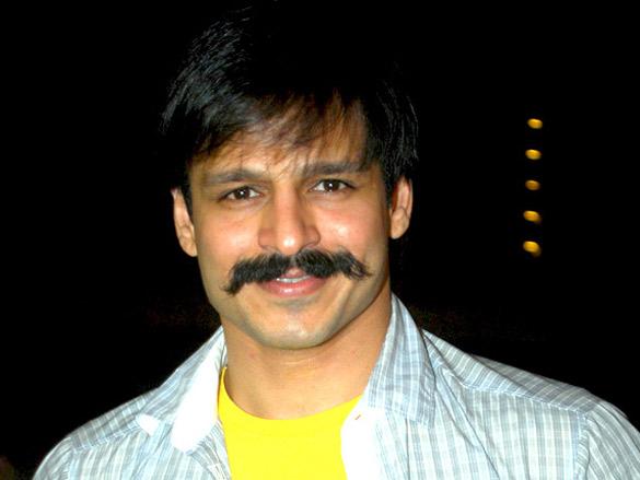 Vivek Oberoi and cast of the film 332 Mumbai To India visited Sankalp Dandiya