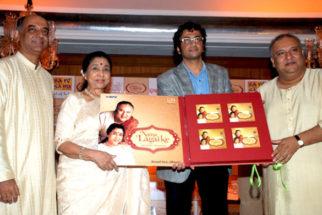 Photo Of Asha Bhosle,Atul,Ustaad Shujaat Husain Khan From The Launch of Shujaat Khan and Asha Bhosle album 'Naina Lagai Ke'