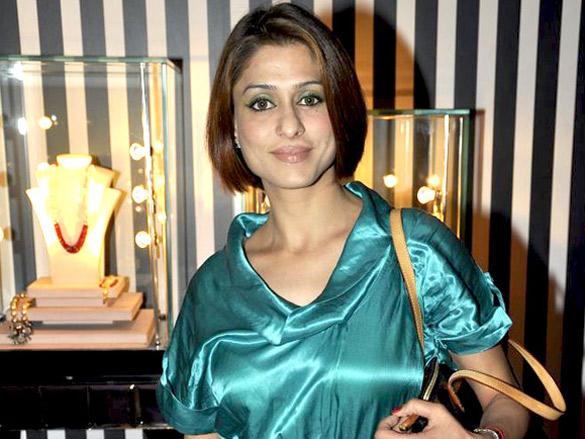 Yuvraj Singh graces Bina Goenka's jewellery preview