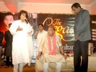Photo Of Vishal Bhardwaj,Zakir Hussain,Jagjit Singh,Ustad Sultan Khan,Ratnakar Kumar From The Zakir Hussain launches 'The Legacy' album by Ustad Sultan Khan and Sabir Khan