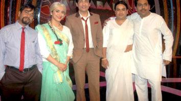 Photo Of Shekhar Suman,Nikhil Ratnaparkhi,Shailesh Lodhai From The Shreyas, Raveena, Arshad and Shekhar on the sets of Comedy Ka Maha Muqabla