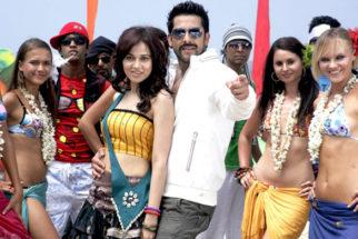 Movie Still From The Film Bin Bulaye Baarati,Priyanka Kothari,Aftab Shivdasani