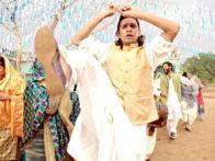 Movie Still From The Film West is West,Vijay Raaz