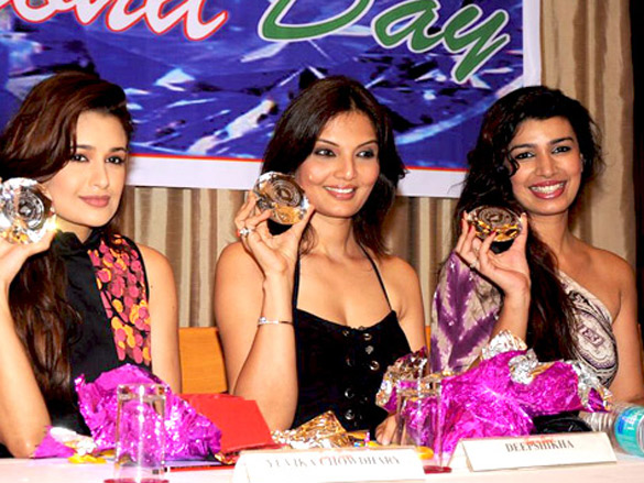 Hrishita Bhatt and Uvika grace International Diamond Day celebrations