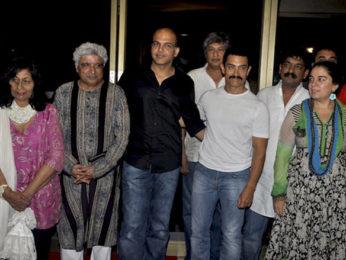 Photo Of Javed Akhtar,Ashutosh Gowariker,Aamir Khan,Nitin Chandrakant Desai,Reena Dutta From The Aamir Khan Productions celebrates 10th anniversary