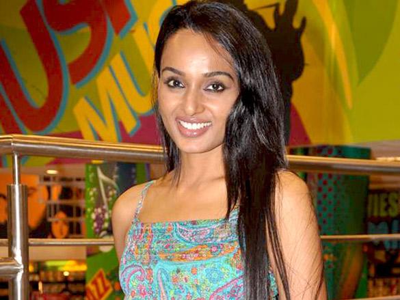 Yana Gupta launches Slim Sutra DVD at Planet M