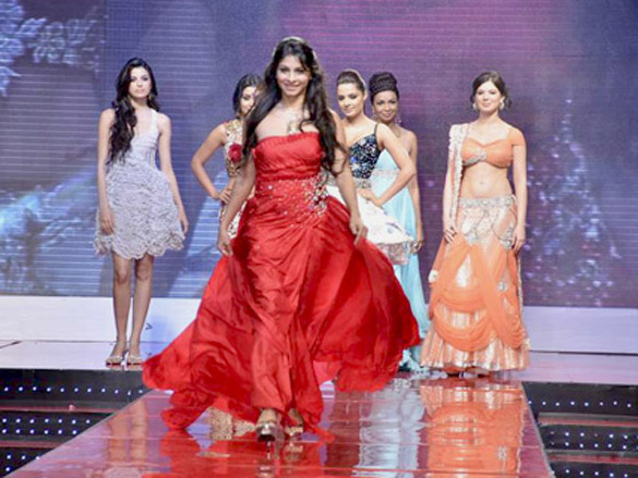 Shriya Saran, Celina, Kajol and Tanisha at Swarovski Gems event