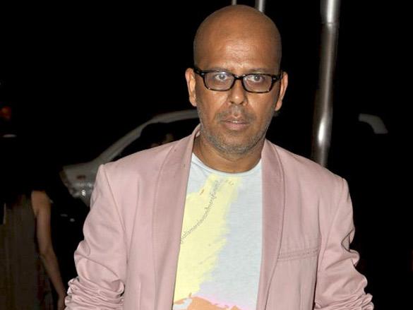 Arjun Rampal walks the ramp for Rohit Bal at Lakme Fashion Week 2011 launch