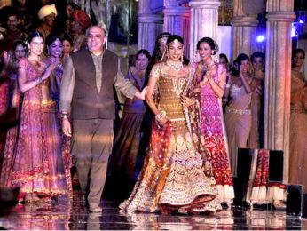 Photo Of Tarun Tahiliani,Nethra Raghuraman From The Tarun Tahiliani's finale show at Aamby Valley City India Bridal Week 2011