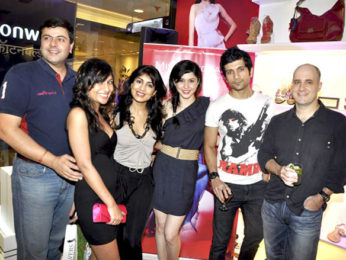 Photo Of Pallavi Sharda,Vaibhav Talwar,Ashwin Mushran From The Celebs grace the launch of Pavers England's store