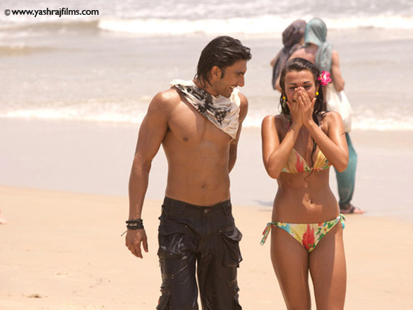 On The Sets Of The Film Ladies VS Ricky Bahl Featuring Ranveer Singh,Anushka Sharma,Parineeti Chopra,Dipannita Sharma,Aditi Sharma
