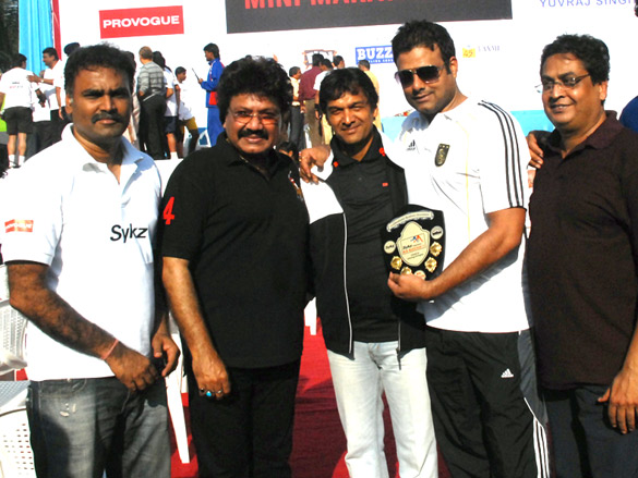 Photo Of Sanjay Kabra,Shravan Kumar,Narendra,Abhimanyu Shekhar Singh,K Samdhani From The Gurudas Kamat flagged off 8th Mini Marathon 2011 at Lokhandwala