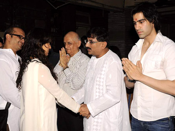 Juhi Chawla,Mukesh Bhatt,Dharmesh Darshan