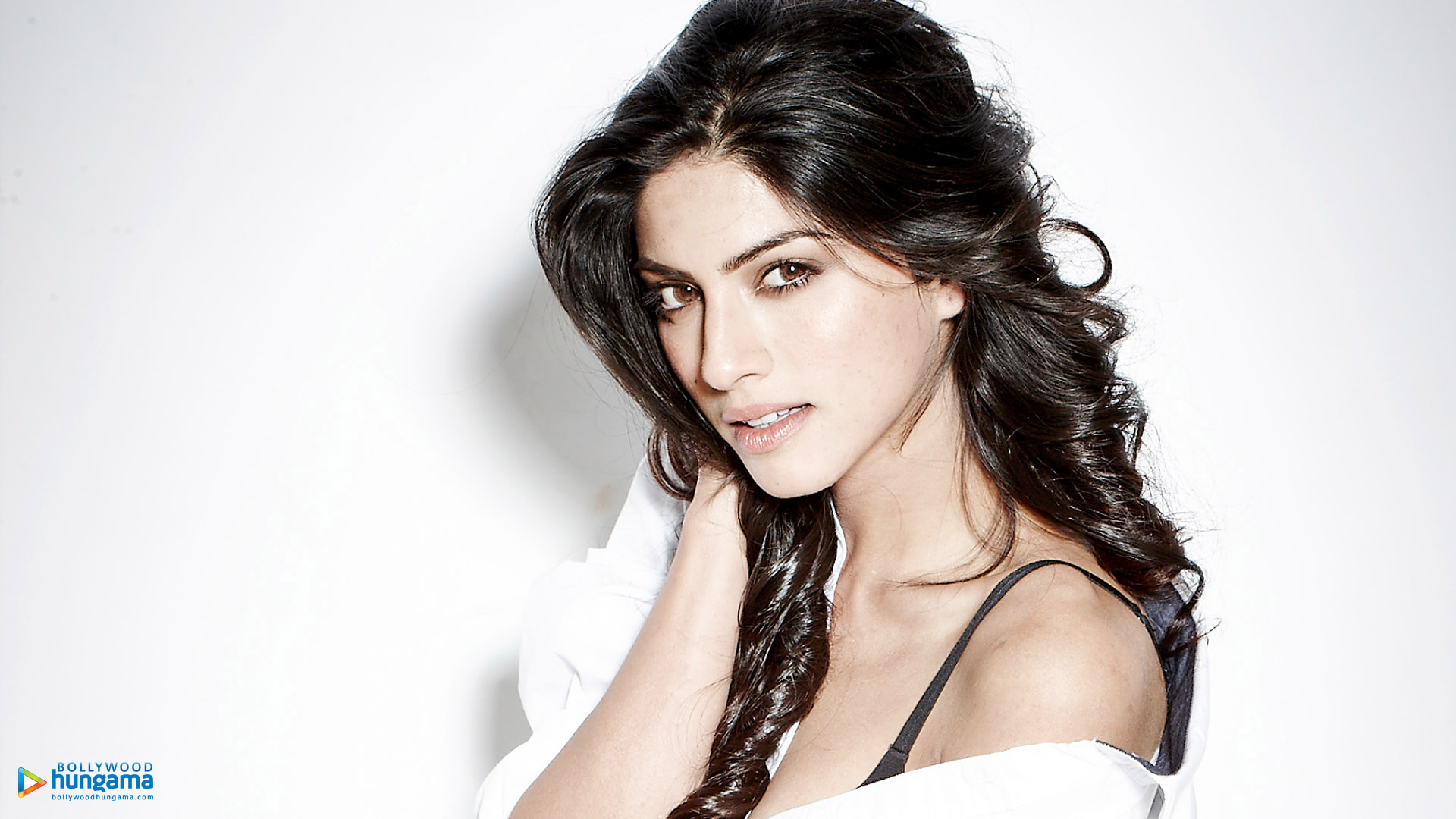 Watch Sapna Pabbi video