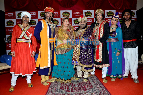 Thakur Anoop, Delnaaz Irani, Kiku Sharda, Vishal Kotian, Kishwar Merchant, Rohit Khurana