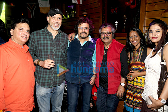 Sonu Nigam & Bickram Ghosh celebrate at 'Tap Resto Bar'