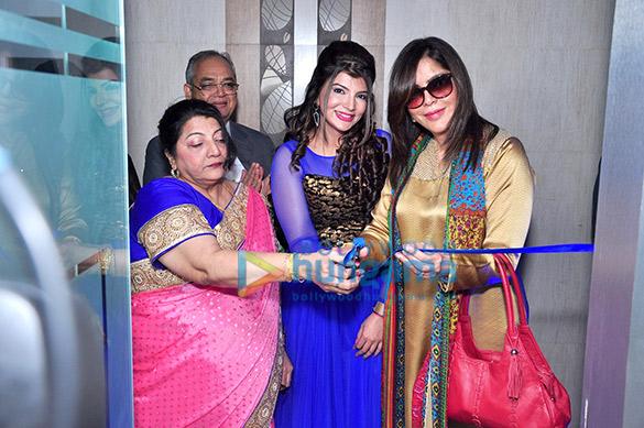 Zeenat Aman inaugurates Dr. Simple Aher's Skin Lounge clinic