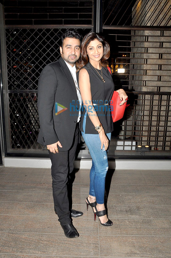 Shilpa Shetty & Raj Kundra snapped in Bandra post dinner