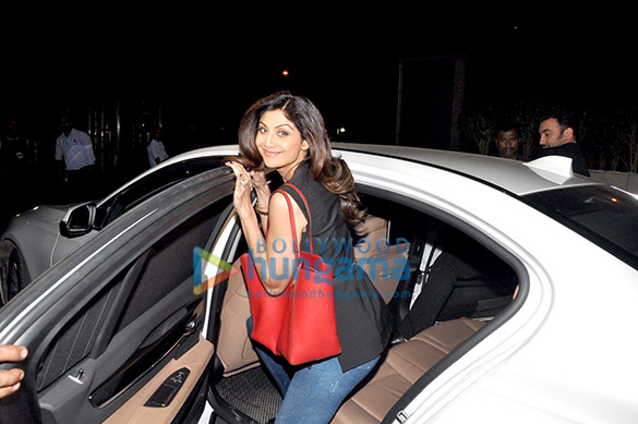Shilpa Shetty & Raj Kundra snapped in Bandra post dinner