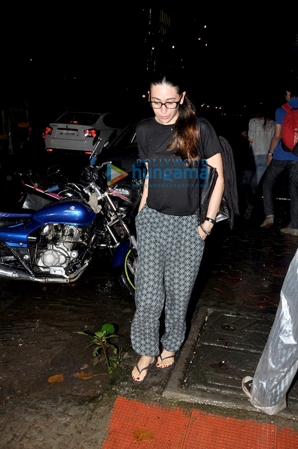 Kareena Kapoor Khan & Karisma Kapoor get a new look at B'Blunt Salon