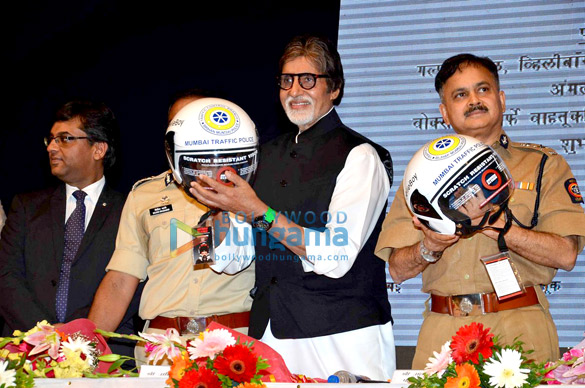 Amitabh Bachchan supports Mumbai Traffic Police's road safety initiative
