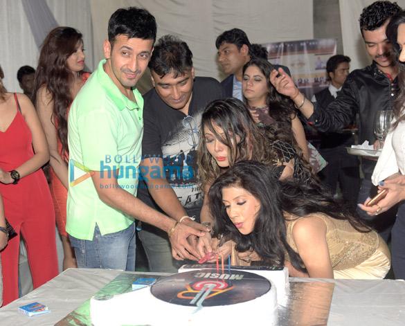 Harmeet, Anjaan, Rani Hazarika, Aakarsha Sinha