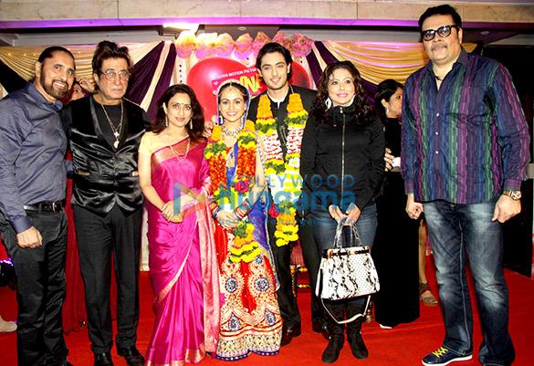Arvinder Singh, Shakti Kapoor, Navni Parihar, Aksha Pardasany, Kashyap, Tinaa Ghaai, Sehzad Khan