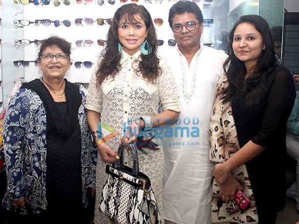 Saroj Khan, Tina Ghai, Ashfaque Khopekar, Afreen Khopekar