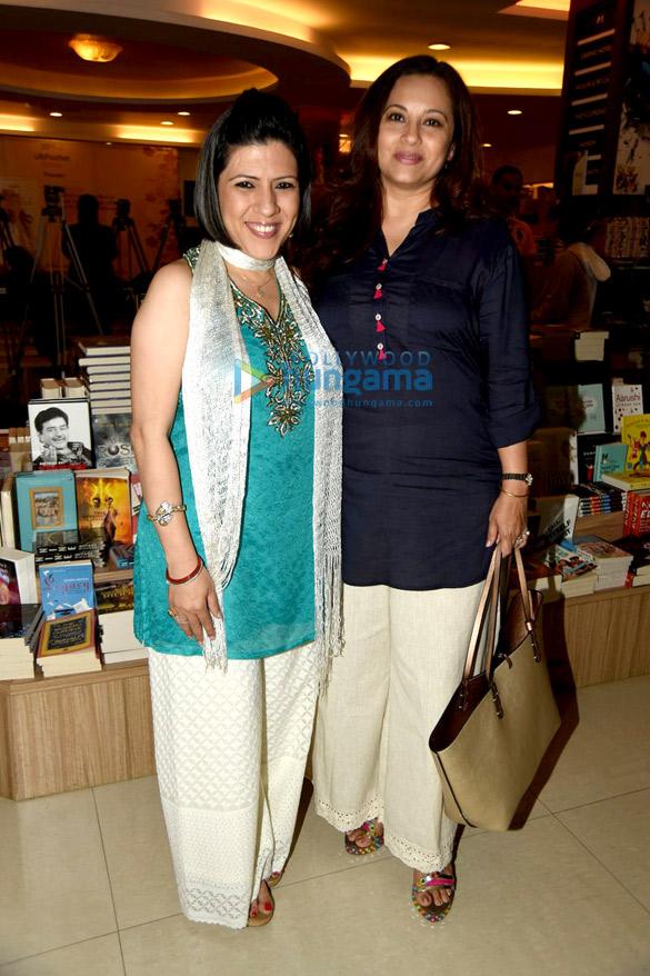 Tusshar Kapoor & Eesha Koppikhar at the launch of Roshani Shenaz's book 'Angels Speak'