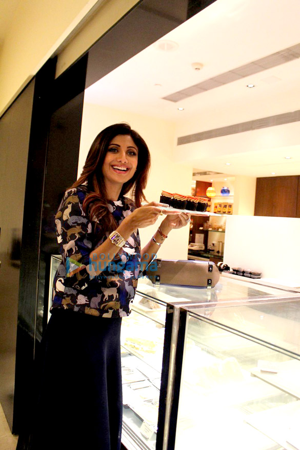 Shilpa Shetty & Shamita Shetty grace the launch of 'Exclusively Yours' store