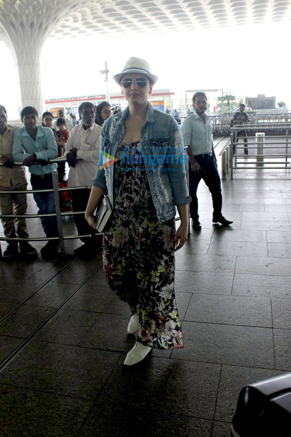 Huma Qureshi snapped at the airport